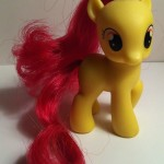 My Little Pony Apple Bloom Toy Right Side from Pony School Pals Set G4 2012