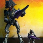 McFarlane Halo Reach Skirmisher Comparison with Mega Bloks Skirmisher