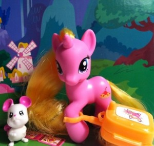 Cherry Pie My Little Pony Friendship is Magic 2012 Luggage Series Toy