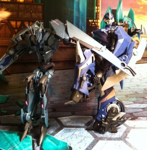Soundwave and Arcee Transformers Prime Deluxe Revealers 2012 Hasbro Toy