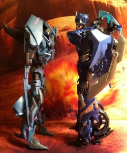 Size Comparison Soundwave and Arcee Transformers Prime Deluxe Revealers 2012 Hasbro Toy