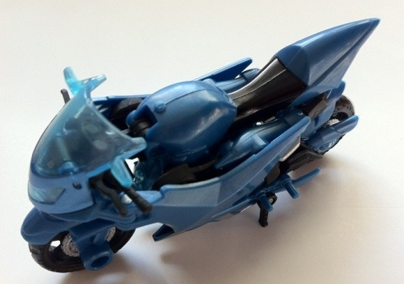 TOY REVIEW: Arcee Transformers Prime Deluxe Revealers Action