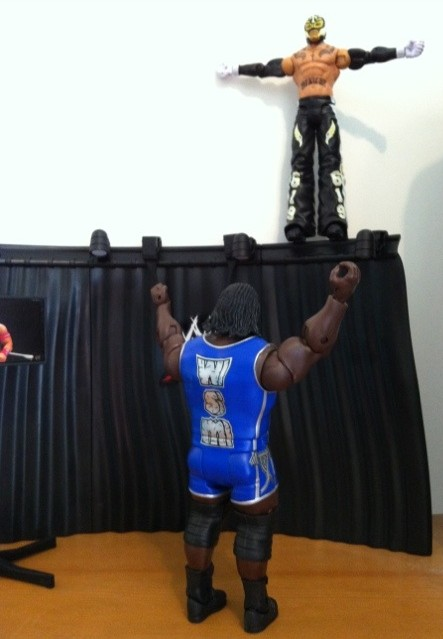 Rey Mysterio Attacks Mark Henry from Top of WWE Mattel Build An Interview Set Playset from Best of Pay Per View 2011 Series