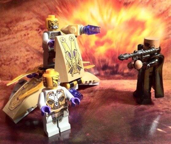 Avengers Nick Fury Figure Minimates Holds off Alien Invasion LEGO Chitauri