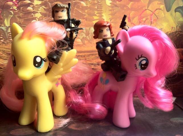 Avengers Hawkeye and Black Widow Figures Ride My Little Pony Toys 2012