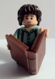 LEGO Frodo Minifigure with Book 9469 Gandalf Arrives Lord of the Rings