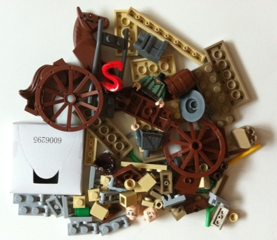 Pile of Bricks from LEGO 9469 Lord of the Rings Gandalf Arrives 2012