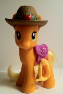 My Little Pony Applejack Pony Toy Figure with Lasso Saddle and Brown Hat Hasbro