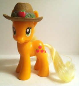 My Little Pony Applejack Pony Toy Figure with Brown Hat Hasbro