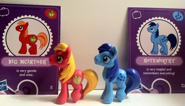My Little Pony Big Macintosh and Noteworthy Toys Front with Cards