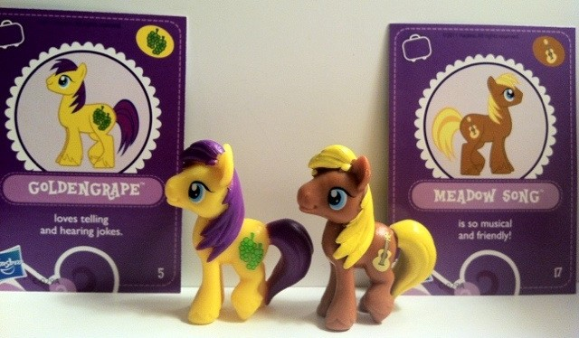 My Little Pony Goldengrape and Meadow Song Toys Front with Cards