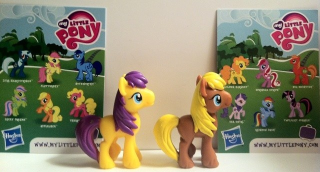 My Little Pony Goldengrape and Meadow Song Toys Back with Cards