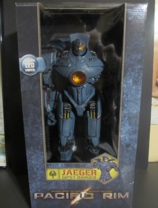 NECA Pacific Rim 18 Inch Gipsy Danger Jaeger Figure in Box