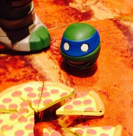 Ninja Turtles Revoltech Leonardo Head and Pizza Nick TMNT 2014