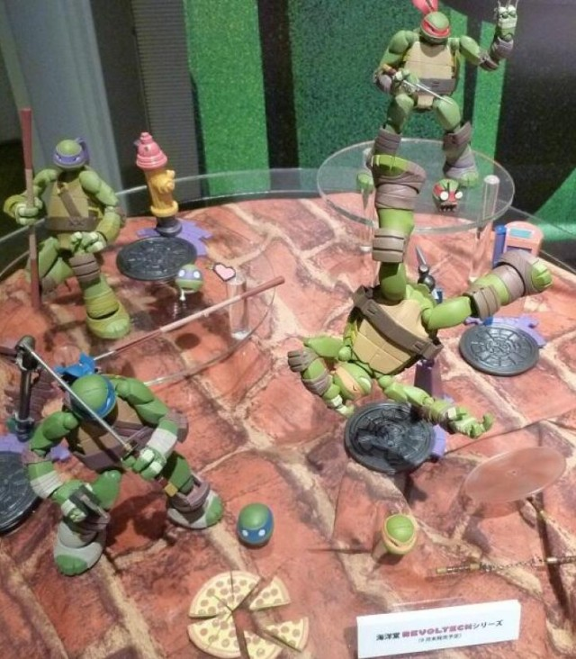 Revoltech Teenage Mutant Ninja Turtles Action Figures Display 2014