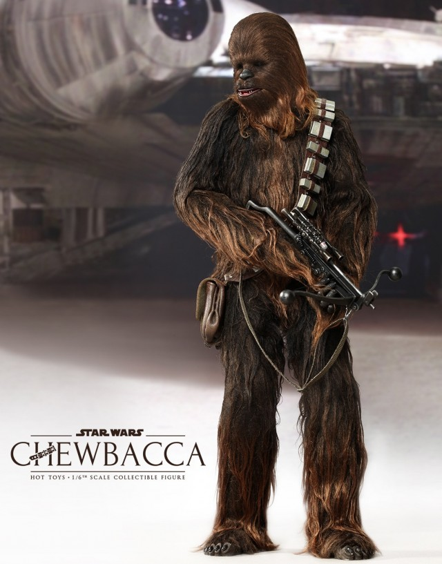 Hot Toys Chewbacca MMS 262 Figure Holding Bowcaster